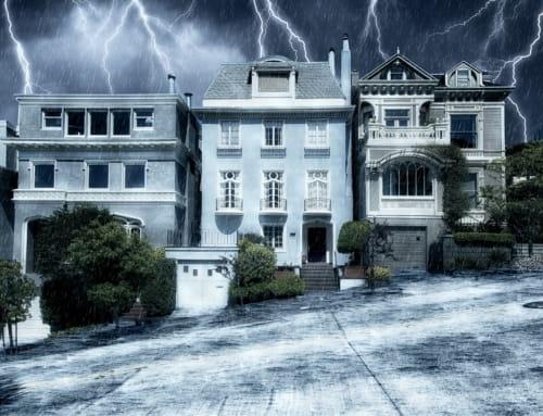 Die richtige Gebäudeversicherung für die Herbstzeit